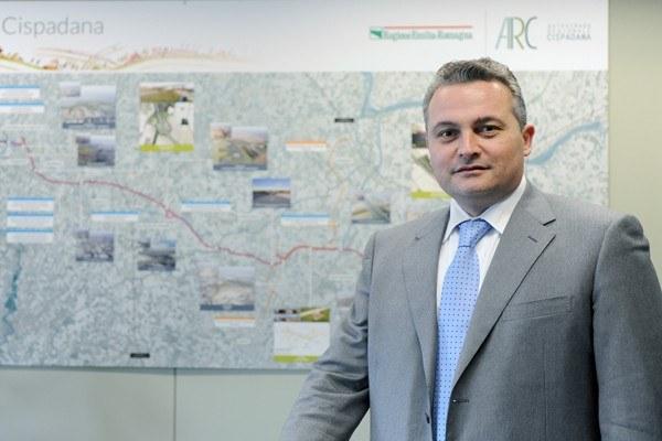 Il Direttore Pignedoli presenta il Tecnopolo Bologna CNR alla presenza dell'Assessore Donini