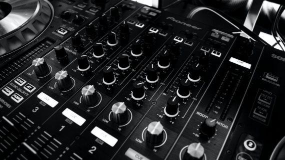 L'intelligenza artificiale per la musica? Mister insegna al corso regionale di Music Academy